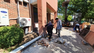 더불어락노인복지관 벽면녹화사업시작(2021.7.26~8.20일까지)